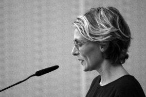 Pour Julie Joly, le journalisme est en pleine transformation : plus de proximité avec l'auditeur et de transparence. ©UPMC
